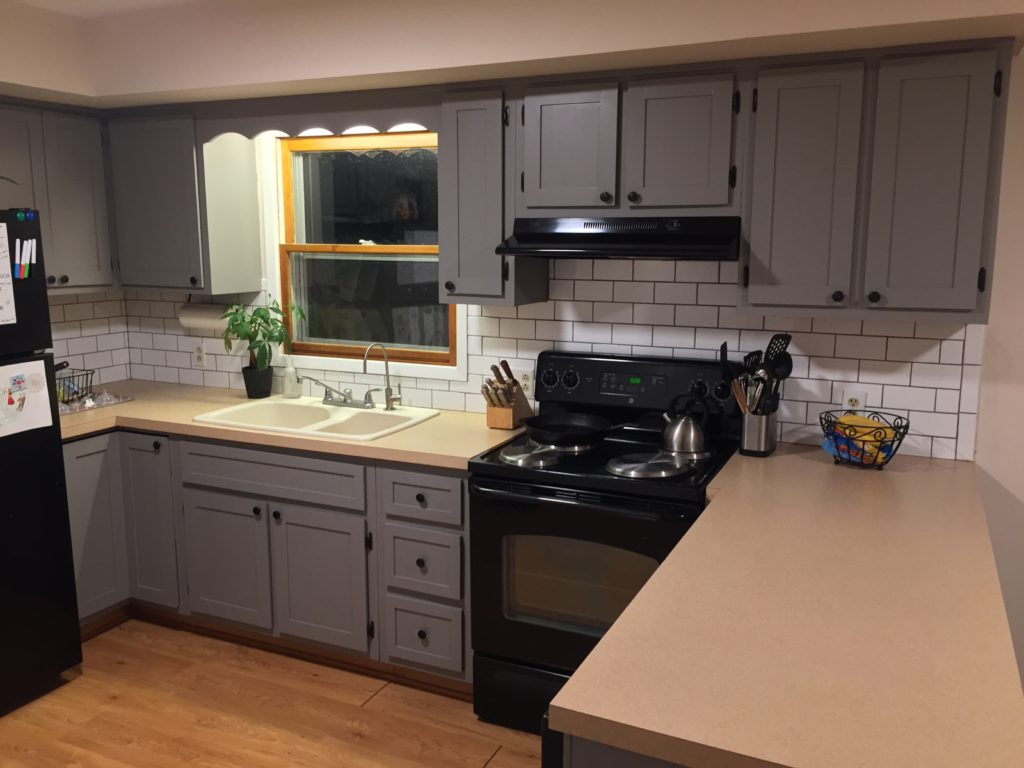 How To Update a 1970s Kitchen On a Budget – The Granvillian
